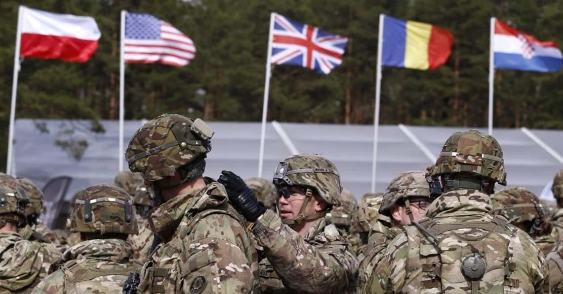 A NATO-miniszterek becsapják az embereket