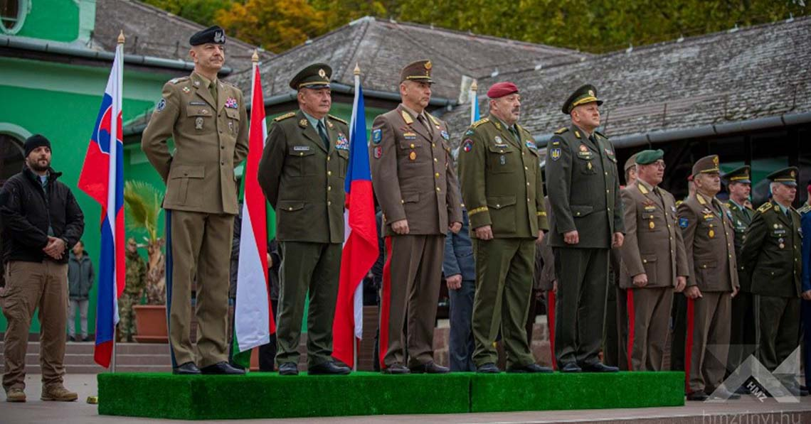 Mit keres itt az ukrán vezérkari főnök?