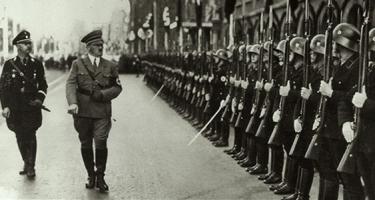 Kéz a kézben Hitlerrel?