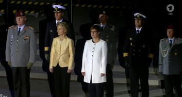 Von der Leyen: militarizálni az Európai Uniót