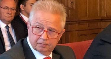Gyurcsányék rombolják Magyarország tekintélyét