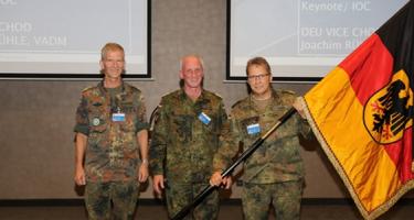 Német vagy amerikai zászló alatt jönnek a NATO-katonák?