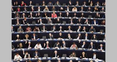 EP-dilemma: Mivel hülyítsük tovább Európa népeit?