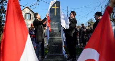 A Jobbik külpolitizál az emberek szolgálata helyett