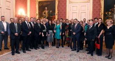 Legyünk büszkék a magyar emberek teljesítményére!