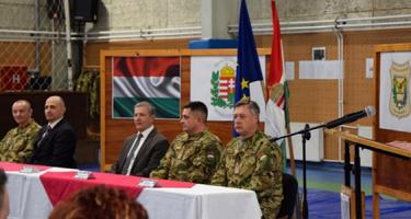 Mit keresnek magyar katonának Boszniában?