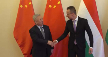 Kína segítsége a legjobbkor jön