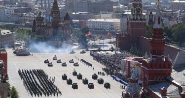 Jubileumi díszszemle Moszkvában: Magyarország sem volt jelen