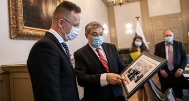 Ajándékot hozott az új orosz nagykövet