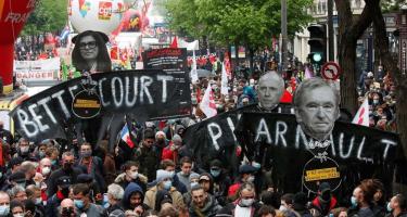 Párizs: korlátozás ide, korlátozás oda, felvonultak a szakszervezetek