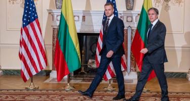 Litvánia: úgy táncolnak, ahogy az USA fütyül